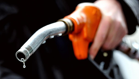 Why shouldn't we fill the gas tank completely, why shouldn't we add too much gas?
